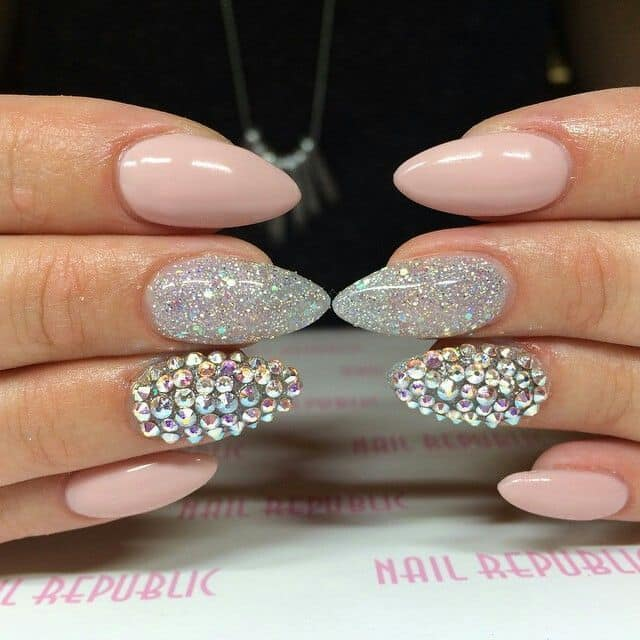 This Is A Soft And Soothing Nail Design Yet Not The Kind That Would Make People Be Mistaken For You Possessing Weak Personality