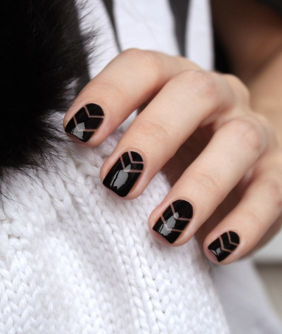 women favorite Black Nail Designs