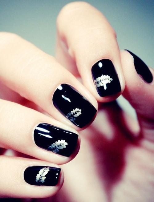 Black Nail Designs 33