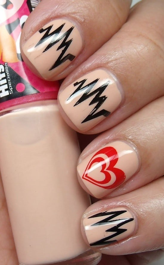 Heart Beats Short Nail