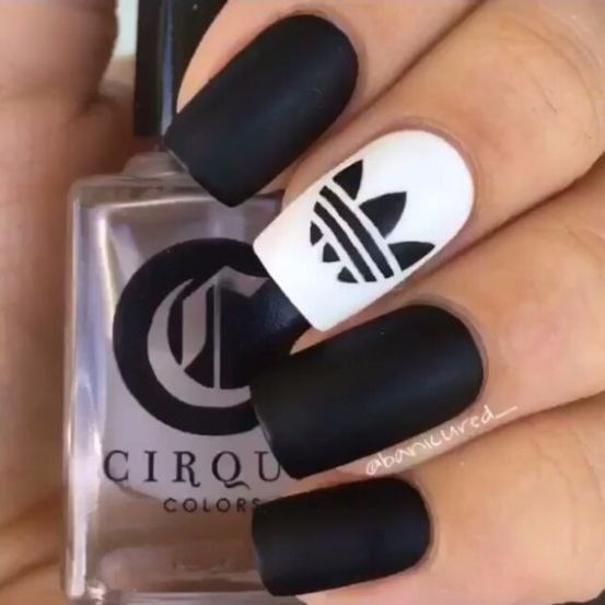 Addidas Fan nail design