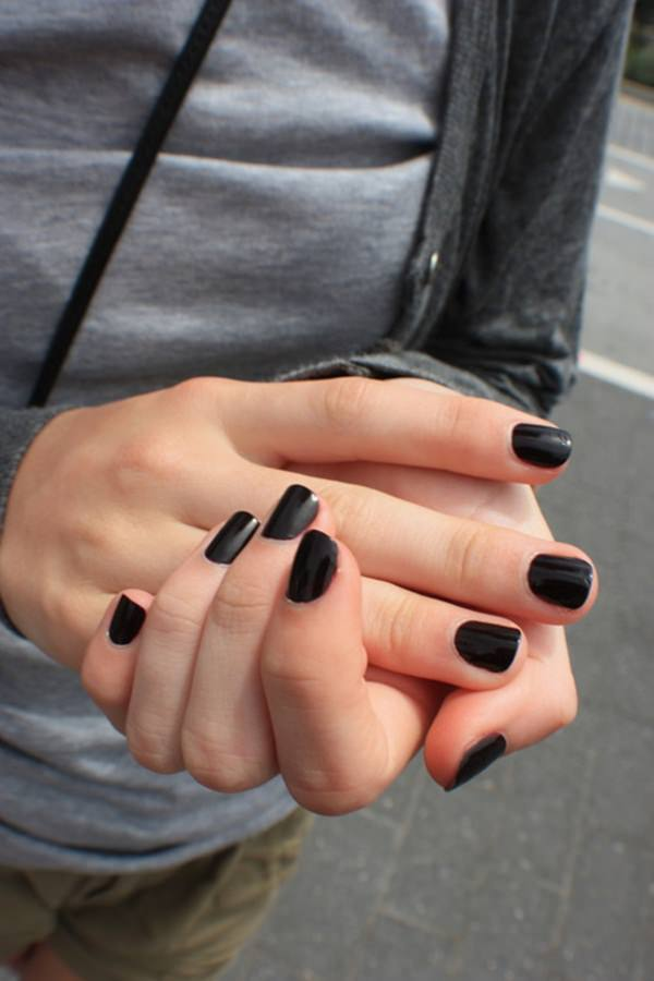 short black nail design