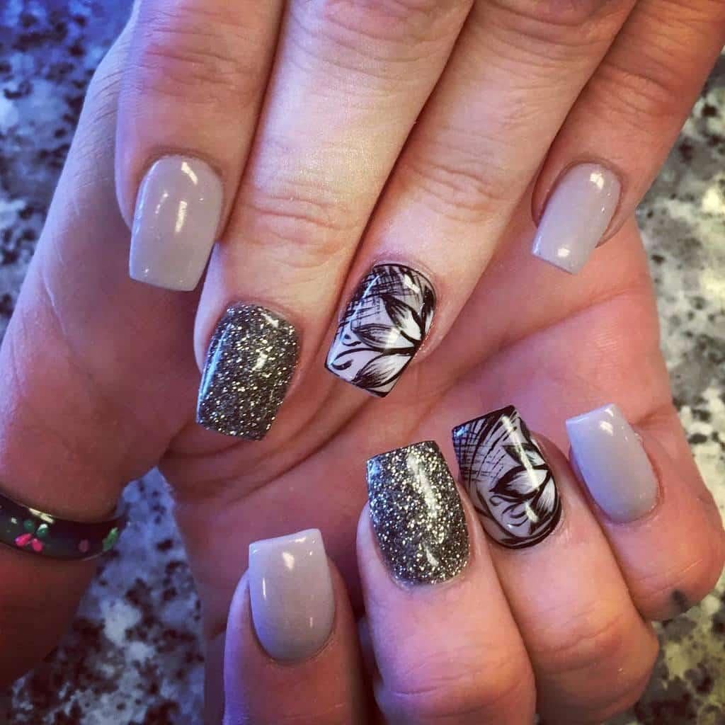 nice Nail Drag And Glitter