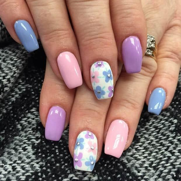 easy and nicc Flower Nail Designs