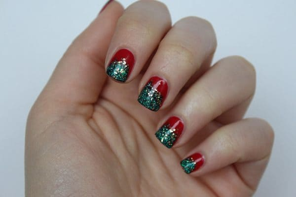 Christmas Tree Glitter nail designs for women