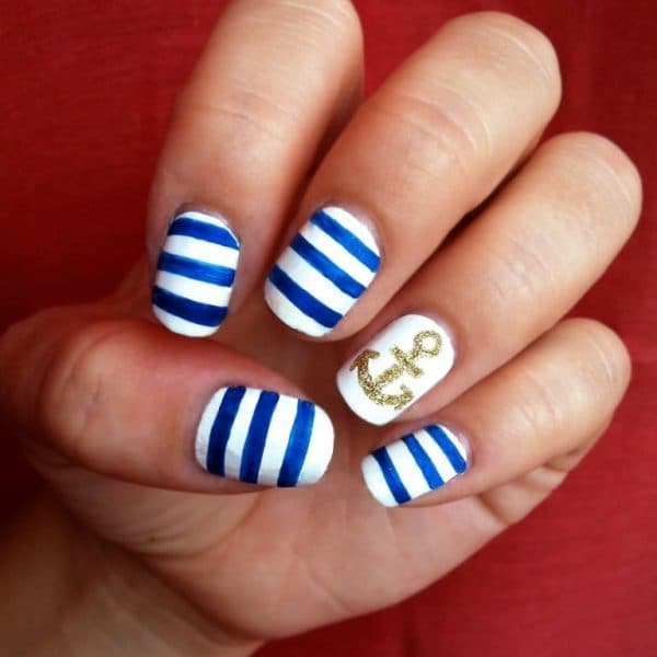 Anchor Style Glitter nail art