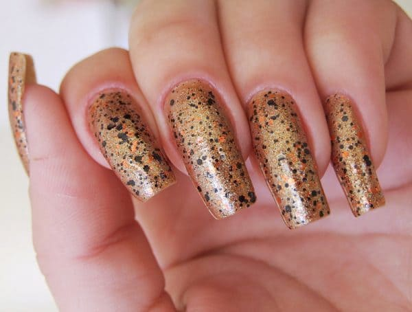 Bee House Glitter nail designs