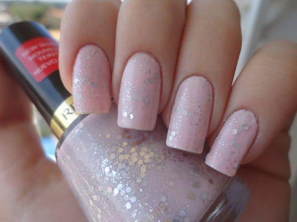 girl favorite Silver Splash Glitter nail idea