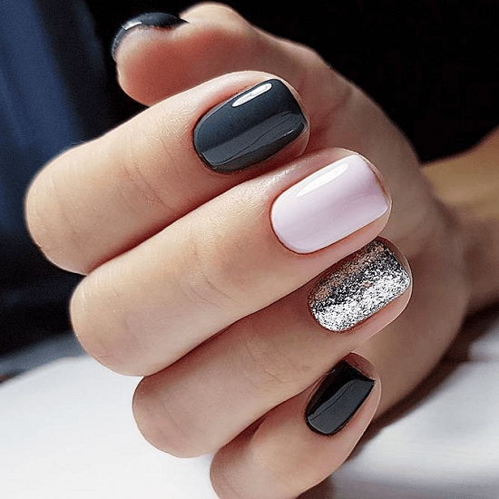 50 Hypnotic Short Nail Designs To Create The Buzz