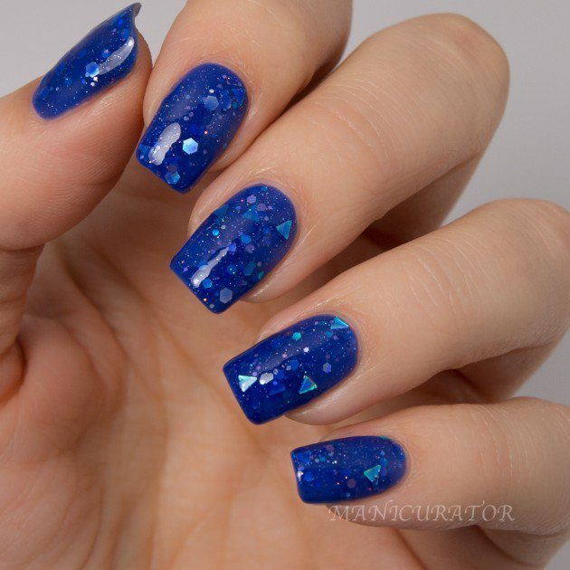 Blue Shattered nail