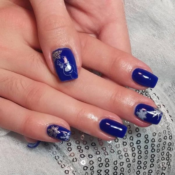 favorite deep Blue nail idea