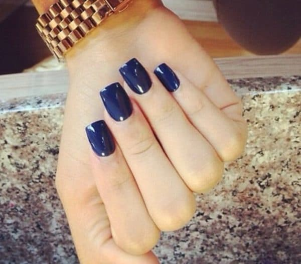 Simple blue nail art you like