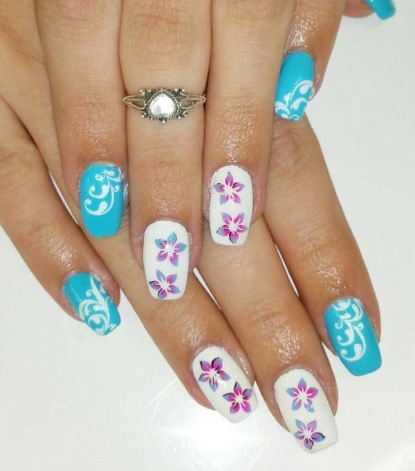 Flower with nail design for women