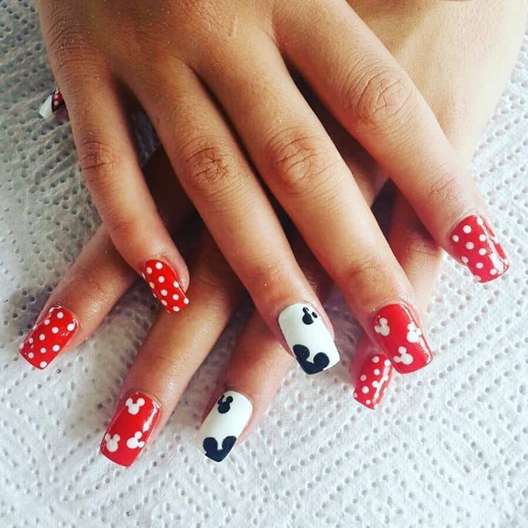 Polka Dot and Minnie mouse nail design 9 - 10 Best Polka Dot & Minnie Mouse Nail Design – NailDesignCode