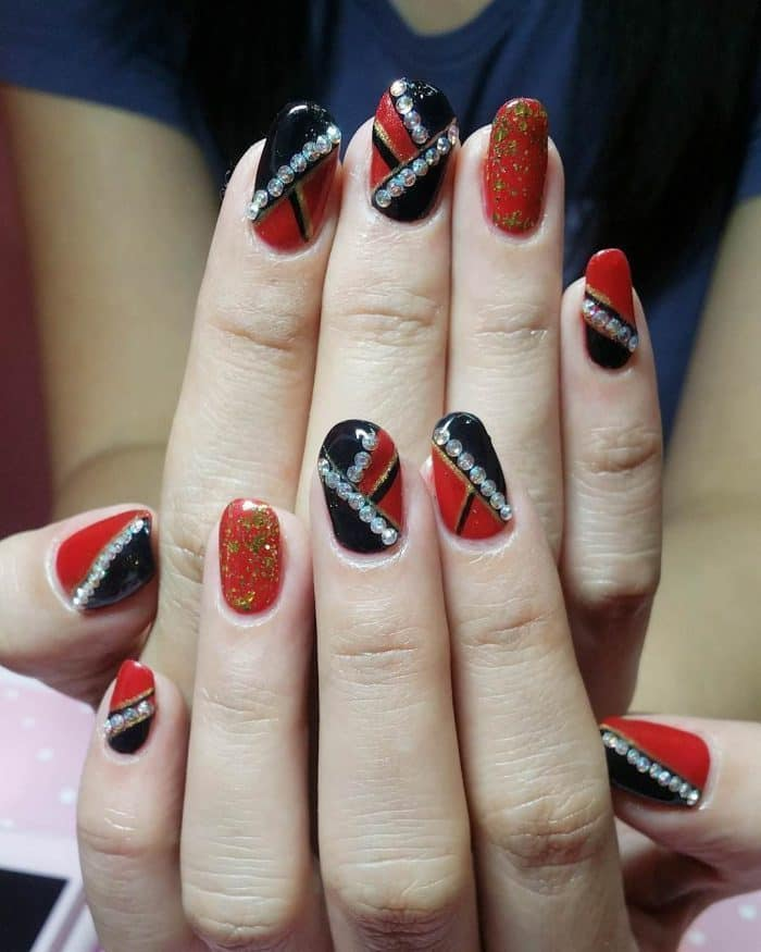 Red and Black nail designs 25