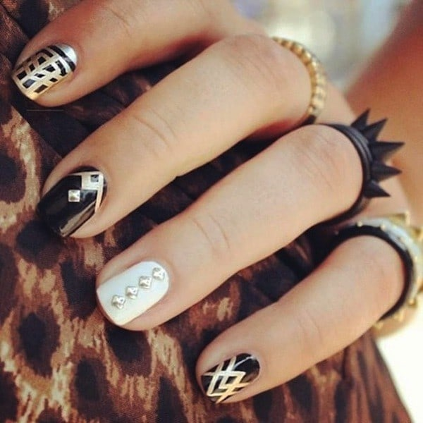 Clashing black and gold nail for women