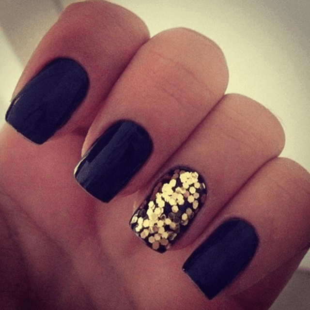 black and gold nail designs 13