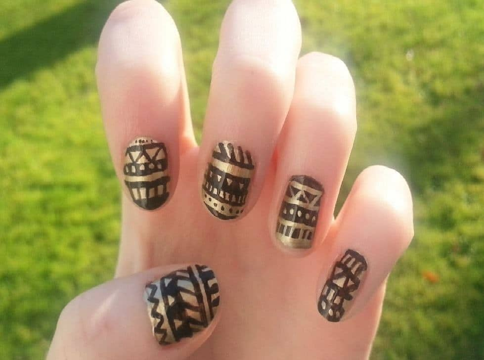 black and gold nail designs 20