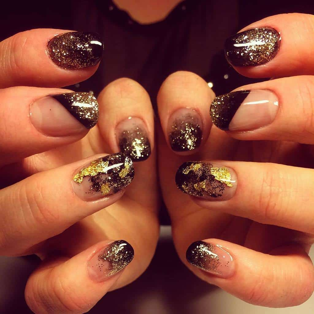 black and gold nail designs 7