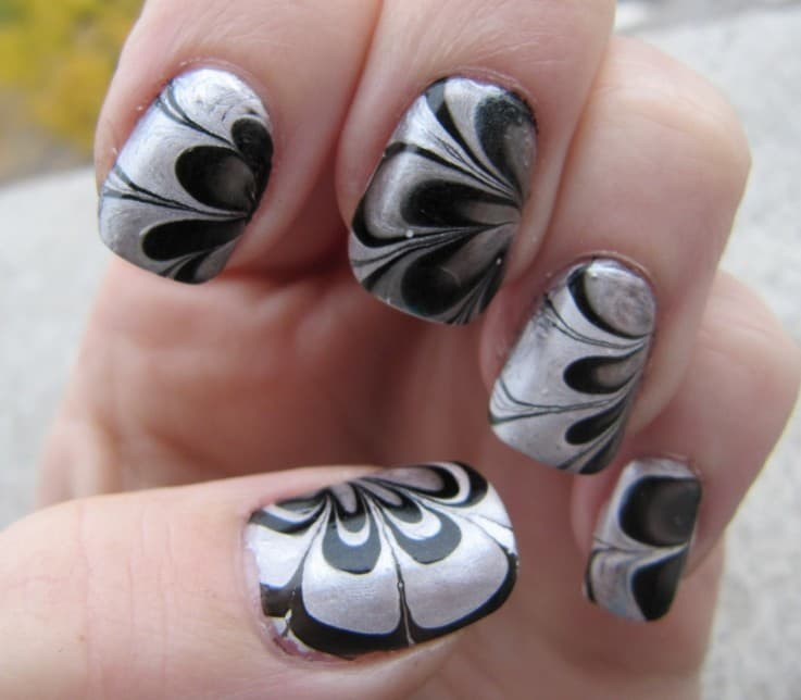 favorite Silver Floral Marble black and silver nail