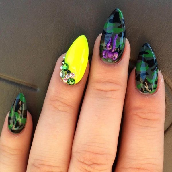 10 trendy girly camo nail designs for every girl naildesigncode camo nail designs 6 prinsesfo Image collections