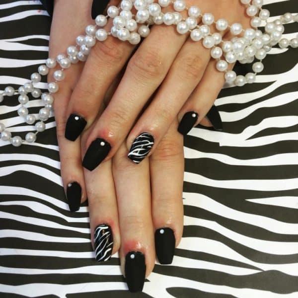 feather & zebra nail designs 19