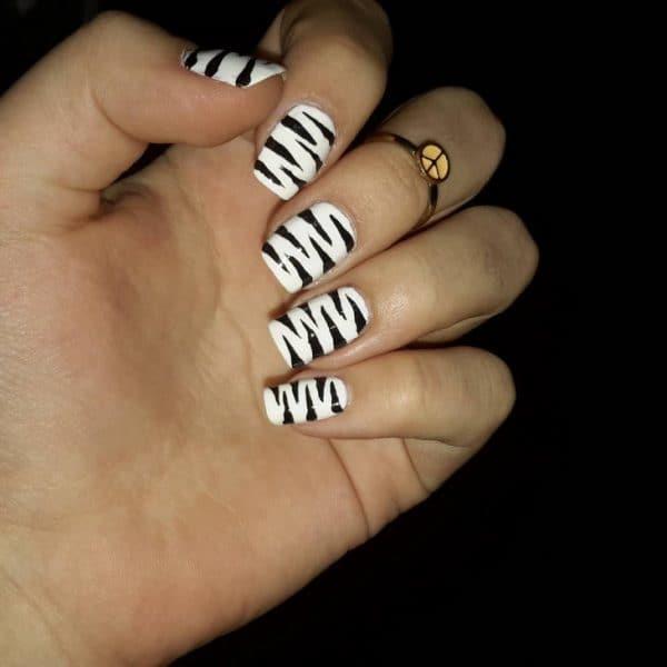 feather & zebra nail designs 20