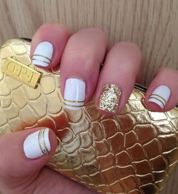 golden stripes with white color nail designs