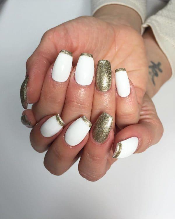 gold nail designs 23