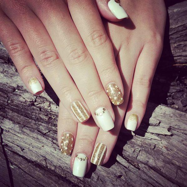 gold nail designs 31