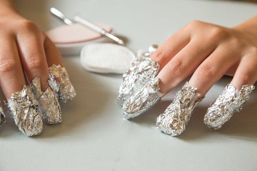soaking and wrapping of shellac nail polish