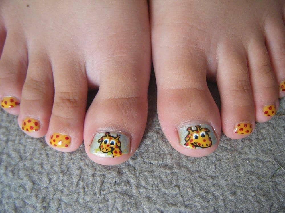 Giraffe Love little girl nail designs idea