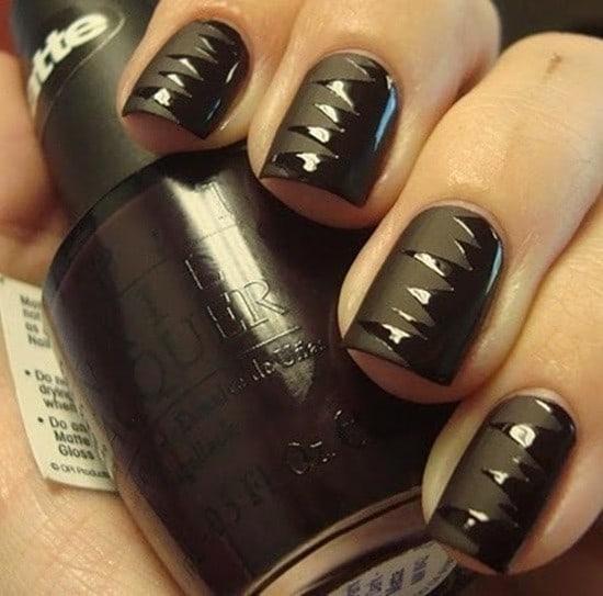 Zigzag Black matte nail design