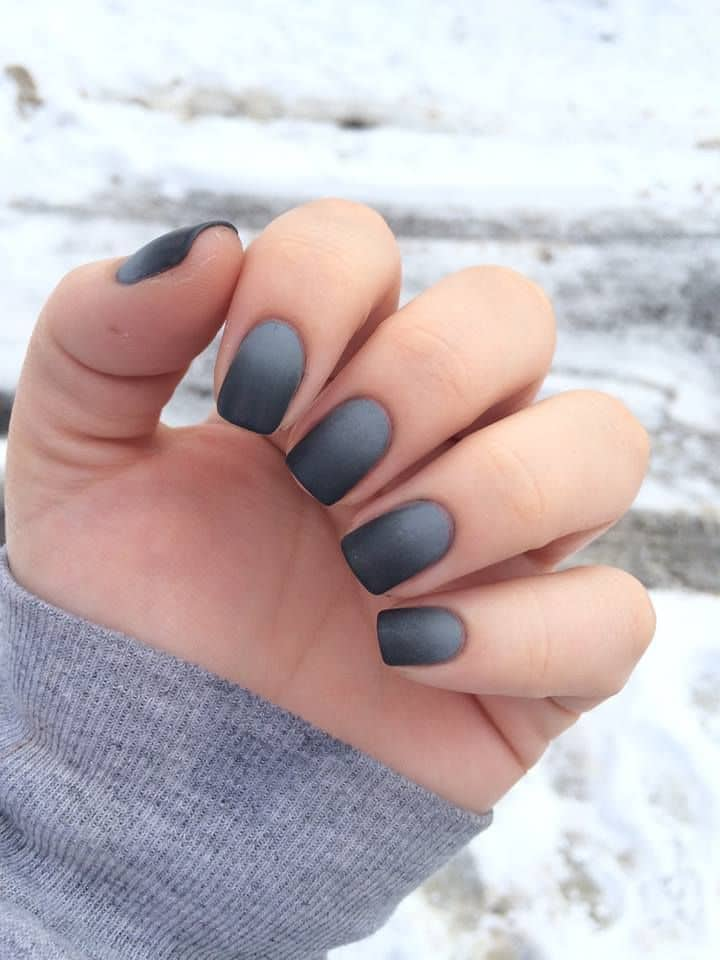 Grey Winter nail style