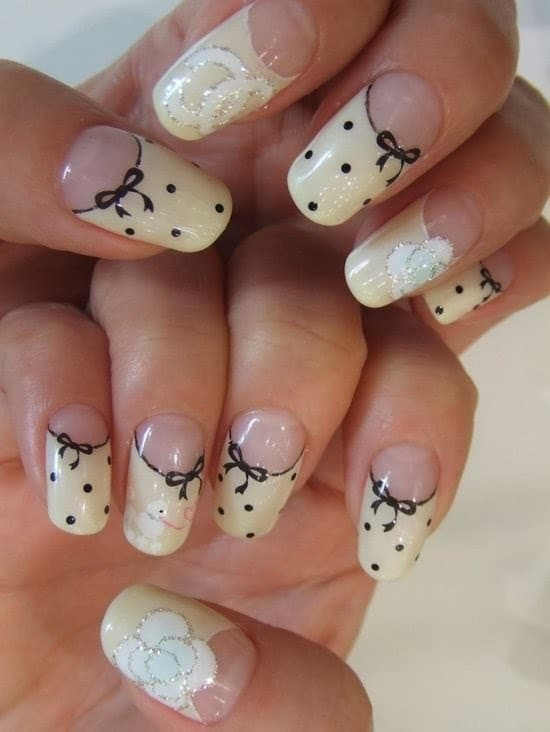 Classic Bow Nails art your favorite