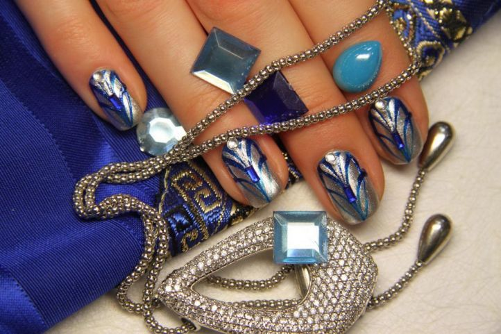 nail designs with rhinestones 14