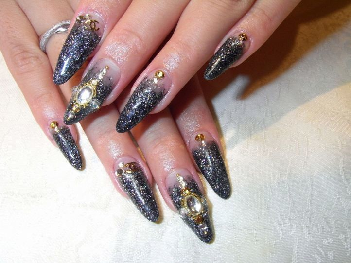 nail designs with rhinestones 8