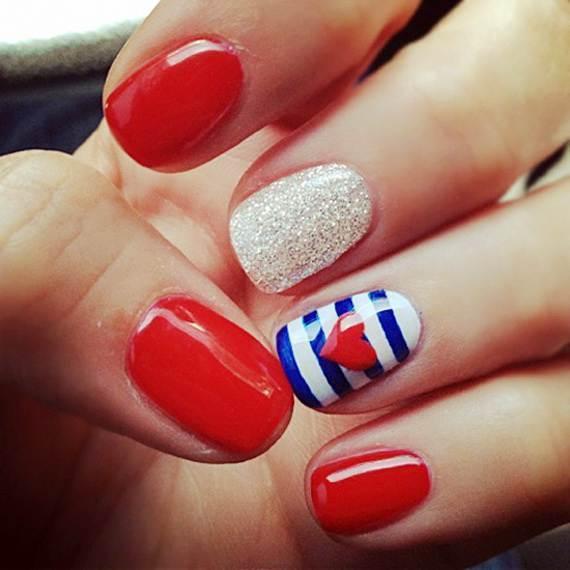 Girl favorite American Love patriotic nail idea