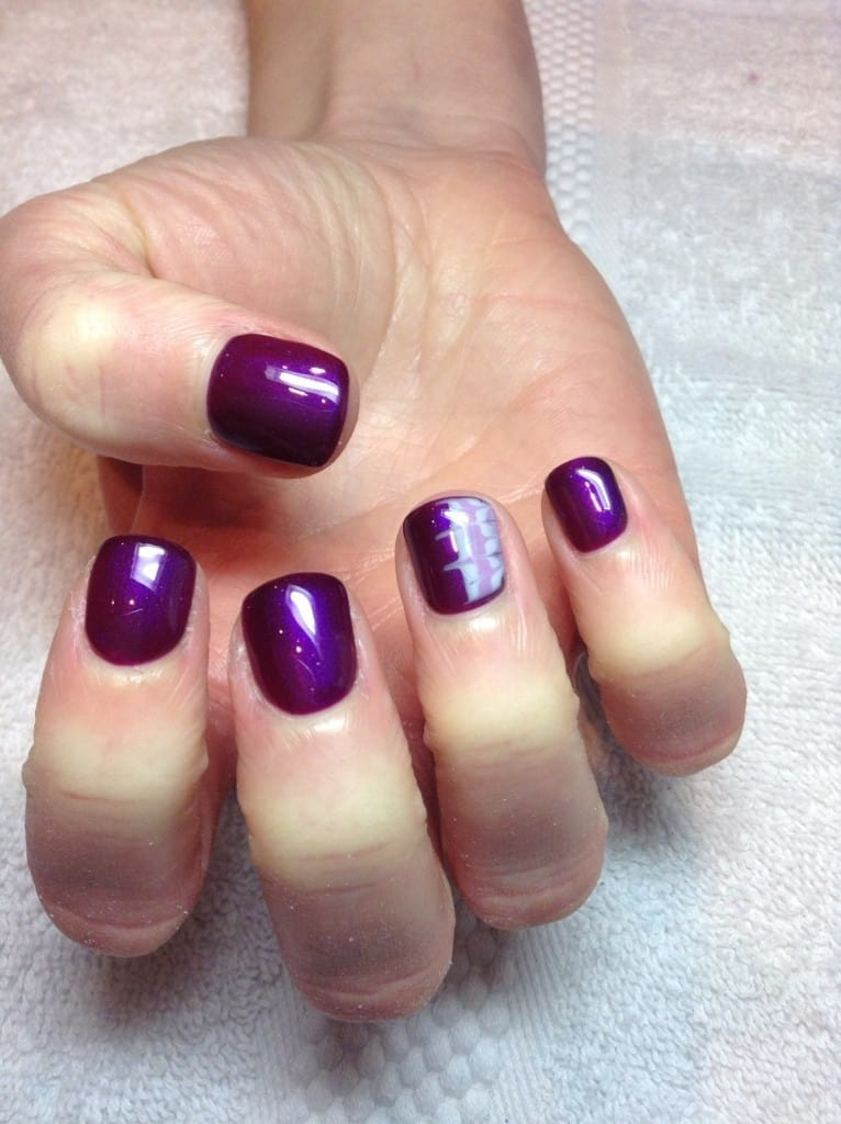 Hot Violet ring finger nail