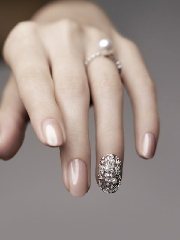 beautiful ring finger nail idea