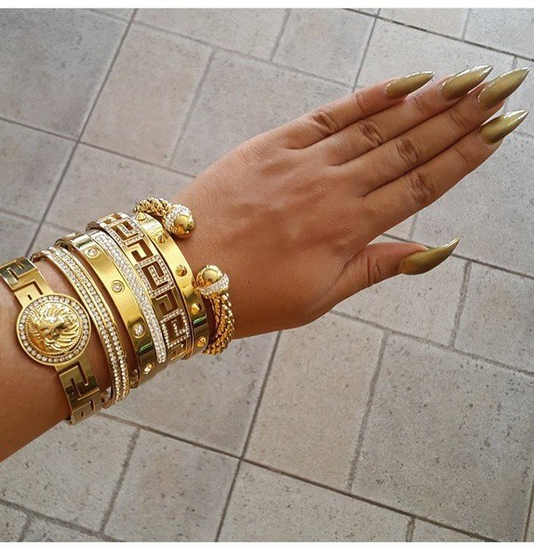 Dijon-Gold stiletto nail idea
