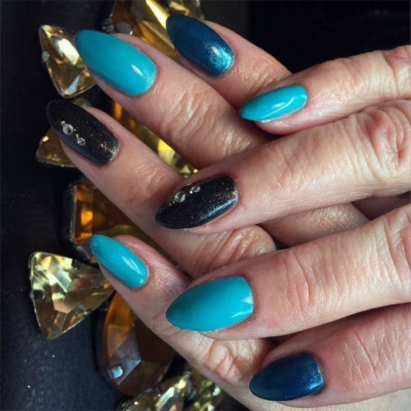 blue and turquoise nail design