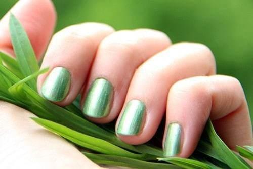 11 Inspiring Airbrush Nail Designs for Nail Lovers