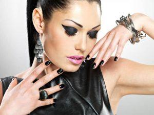 Black And Silver Nail