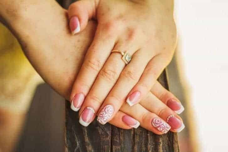 10 Radiant Nail Designs for Ring Finger