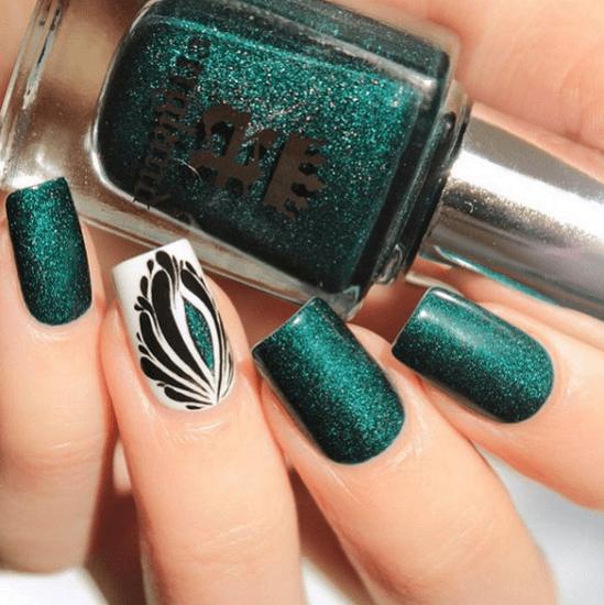 25 Fun Flattering Green Nail Design Ideas