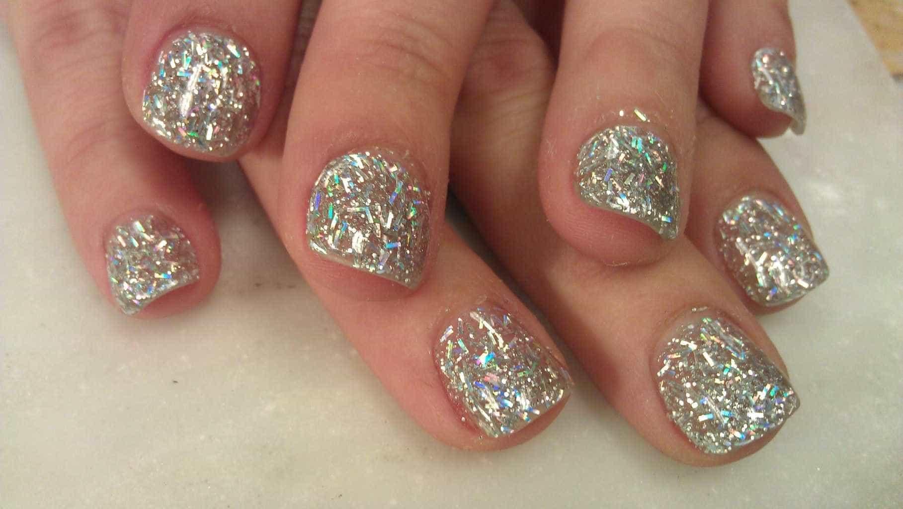 Simple short bling nail