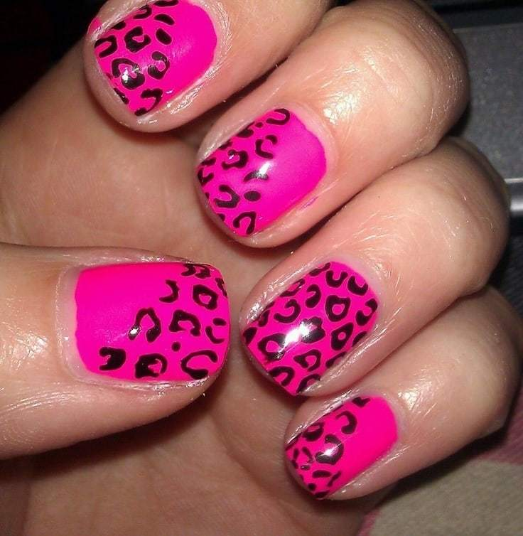 favorite color Cheetah Nail art
