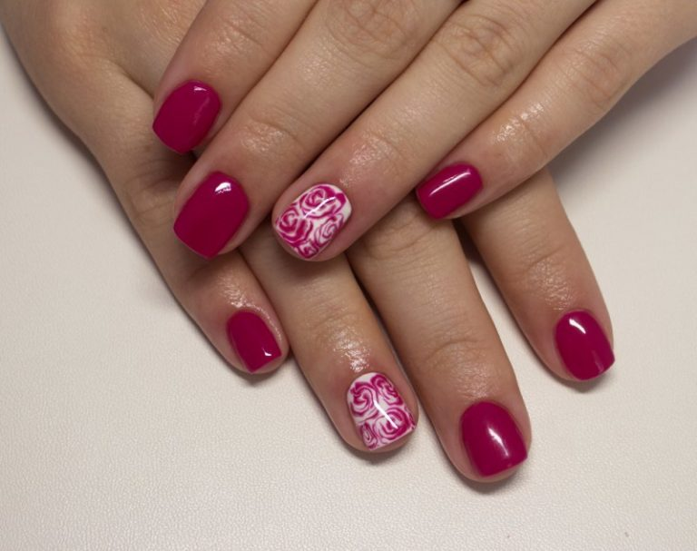 10 Wonderful Girly Camo Nail Designs for Every Girl