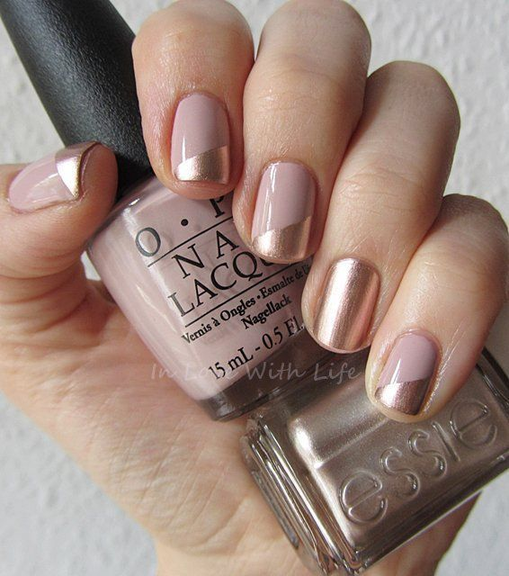 Christmas design Chic Beige Nail idea